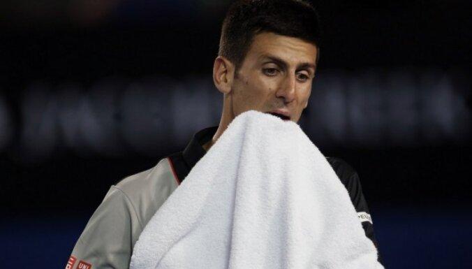 Джокович снялся с финала в Абу-Даби, Надаль реабилитировался