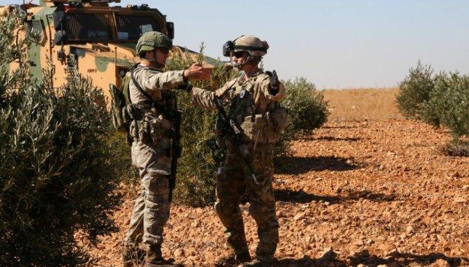 Turcija un ASV vienojas par kopīgas drošības zonas izveidošanu Sīrijas ziemeļos