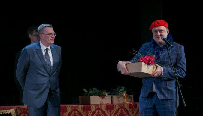 Valmieras teātra skatītāju balsojumā uzvarējuši Ramute un Strads; labākā izrāde – 'Emmijas laime'