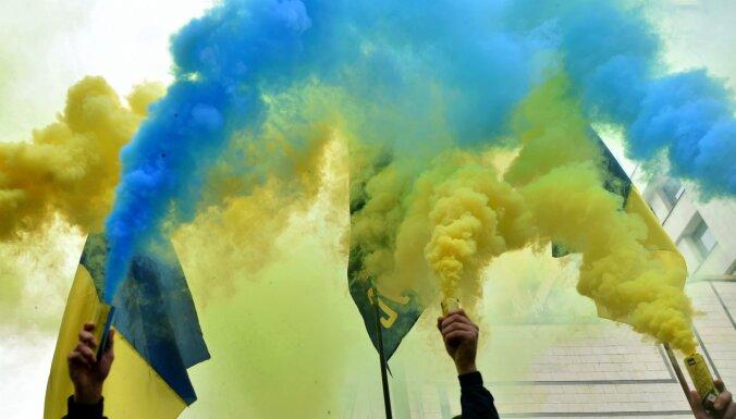 Ukrainas un Krievijas drošības padomju līderi diskutē par Ukrainas valodas politiku