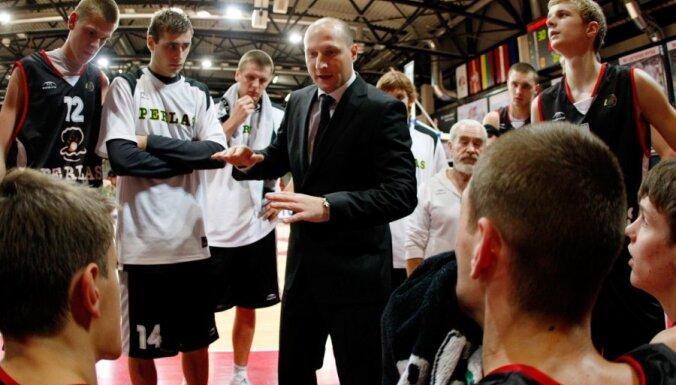Latvijas basketbola izlases treneru kolektīvā atgriežas Roberts Štelmahers