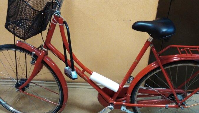 Foto: Policija meklē velosipēdu īpašniekus