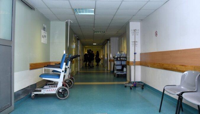 Mirušā priestera ģimene Stradiņa slimnīcai iesniegs oficiālu sūdzību par viņa aprūpi