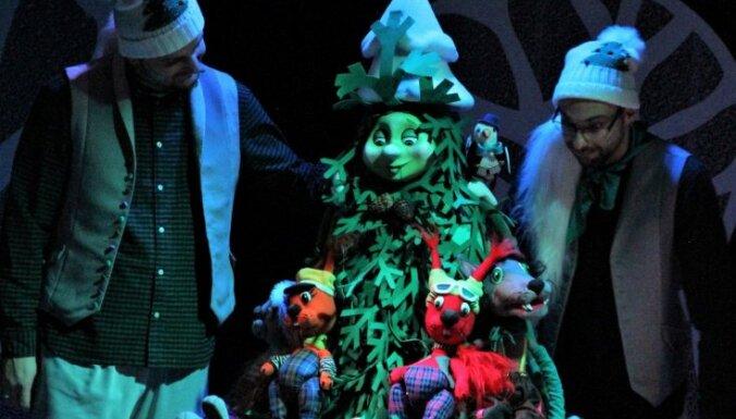 Leļļu teātrī pirmizrādi piedzīvos Ziemassvētku izrāde 'Sidraba egle'