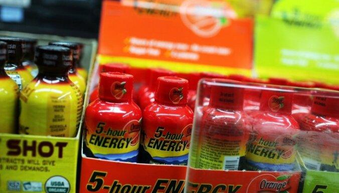 Enerģijas dzērienus nedrīkstēs pārdot nepilngadīgajiem, lemj Saeima