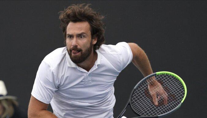 Гулбис впервые вышел в третий круг Australian Open, Остапенко и Севастова отстрелялись
