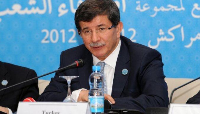 Turcija aicina Irānu izdarīt spiedienu uz Asada režīmu