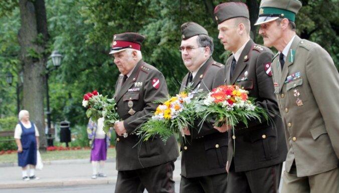 """""""Лесные братья"""" не хотят мириться с """"красными"""" партизанами"""