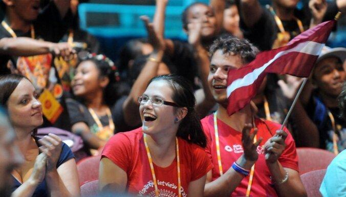 Liepājas Mūzikas vidusskolas meiteņu koris un 'Gaudeamus' vīri uzvar koru olimpiādē