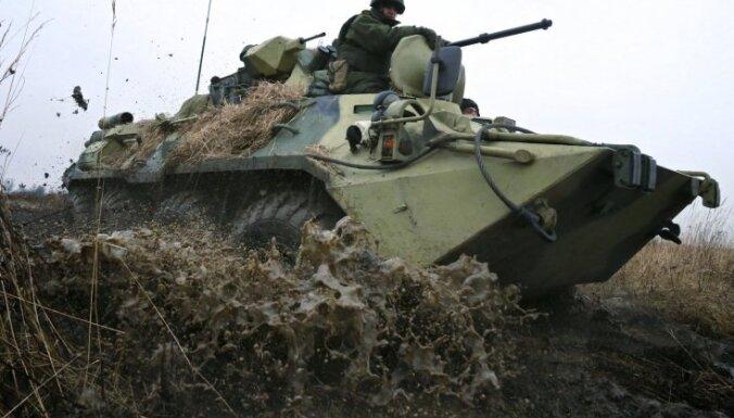 Netālu no Latvijas robežas Krievijā notiek militāras mācības