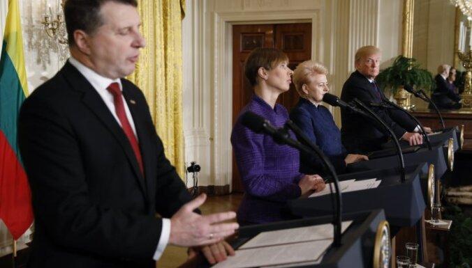 """Пресс-конференция в Белом доме: Трамп предложил Вейонису выбрать """"реального"""", а не американского журналиста"""