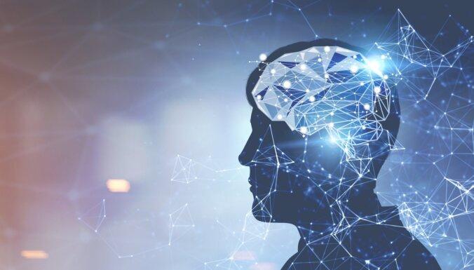 Solis pretī runas 'protēzei': mākslīgais intelekts konvertē smadzeņu aktivitāti tekstā