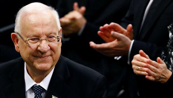 Izraēlas prezidents valdības veidošanu uzdod opozīcijas līderim Lapidam