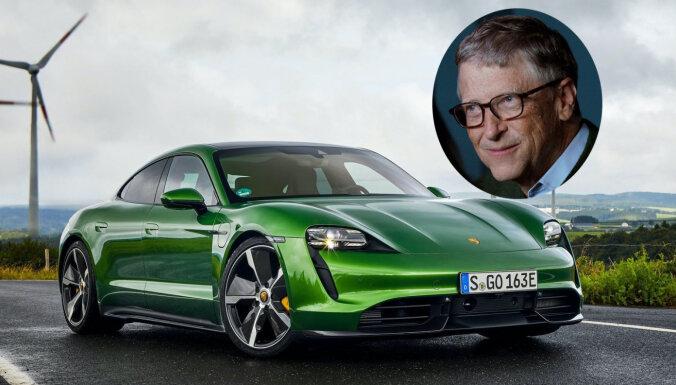 Bils Geitss nopircis sev pirmo elektromobili – 'Porsche Taycan'