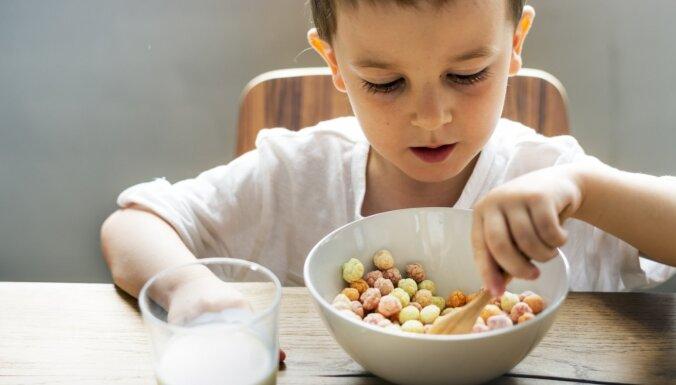 Iesaka uztura speciāliste: kā izvēlīgam bērnam iemācīt ēst veselīgi