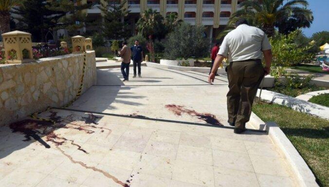 Tunisijā uzbrukumā tūristu viesnīcām nogalināti 37 cilvēki