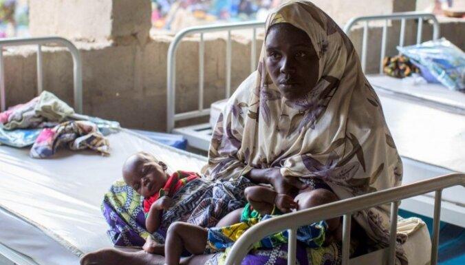 Daudzas nomētāja akmeņiem, par šausmām stāsta atbrīvotās 'Boko Haram' ķīlnieces