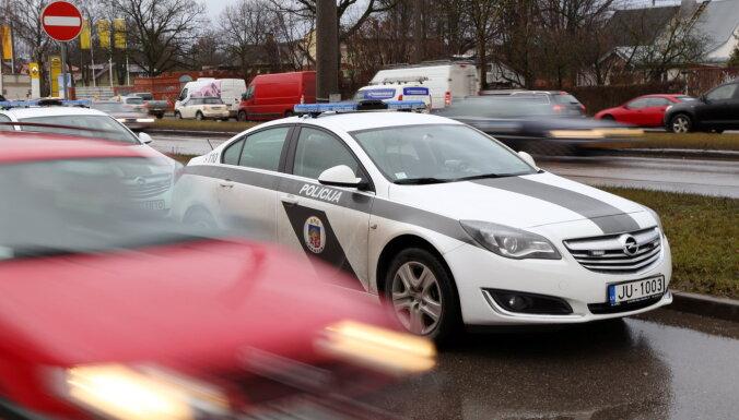 В аварии на Видземском шоссе пострадал человек, движение затруднено