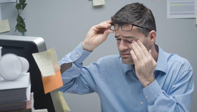 Главное — не упустить время: чем опасна катаракта и как ее лечить