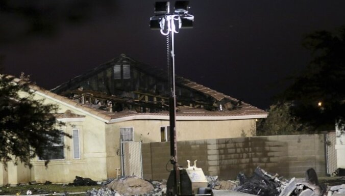 Kalifornijā mājās ietriecies iznīcinātājs 'Harrier'