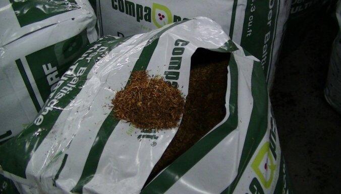 Под видом торфа водитель перевозил 3,2 тонн табака