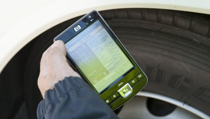 Jaunā 'Bridgestone' patentētā riepu spiediena monitoringa sistēma (TPMS) uzstādīta arī Latvijā