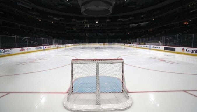 NHL pārtrauc regulāro sezonu, bet saglabā cerību izspēlēt Stenlija kausa izcīņu