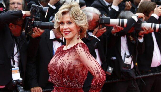 ФОТО: Звезды на красной дорожке Каннского кинофестиваля