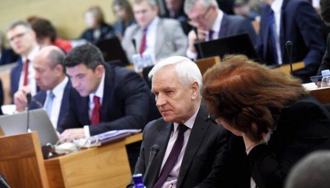 KNAB sācis pārbaudi par dāsni atalgotā Rīgas domes deputāta Frolova darbu