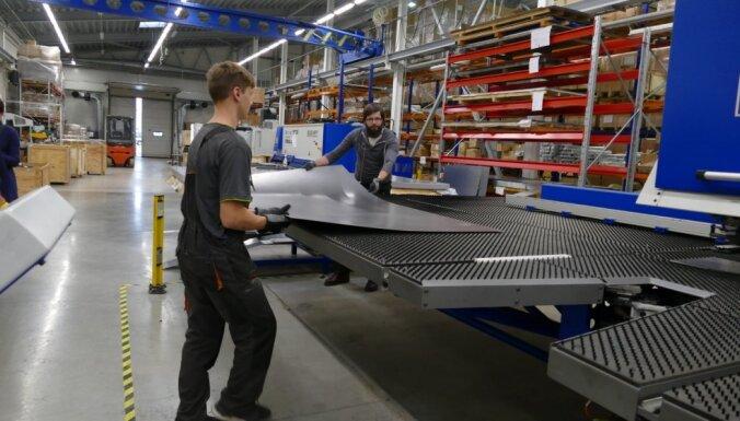 'Swedbank' paaugstina šī gada ekonomikas izaugsmes prognozi no 4% līdz 4,5%