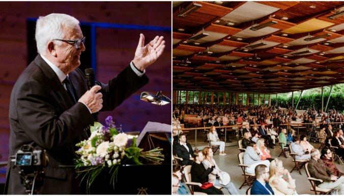 Foto: Jūrmalā izskanējis Raimonda Paula Pasaules kino mūzikas koncerts