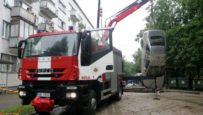 Pirmo reizi Rīgā būs vērienīga operatīvo transportlīdzekļu parāde