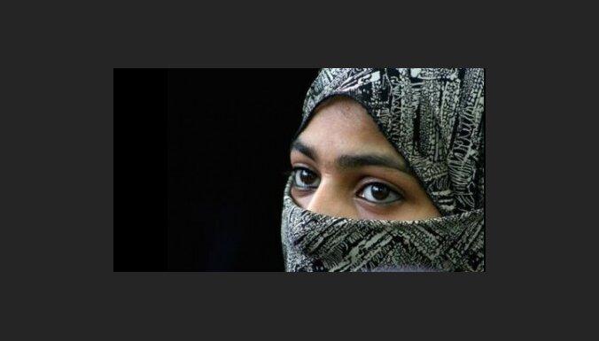 Кувейтским женщинам разрешили ездить за границу
