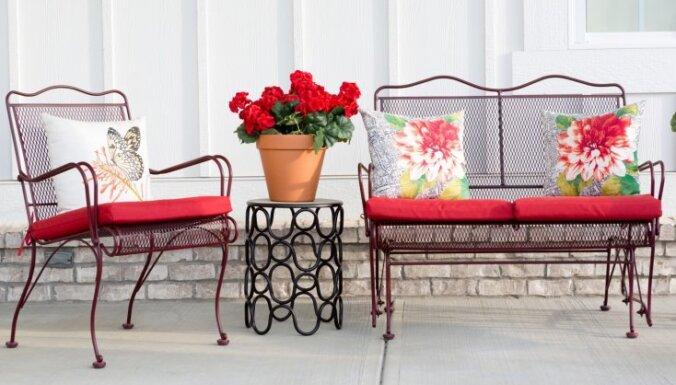 Iedvesmai: vilinoši un koši terases krēsli, kuros zvilnēt saulītē un baudīt vasaru