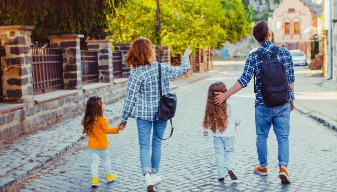 Ģimenēm ar bērniem piedāvā bezmaksas veselību veicinošus pārgājienus