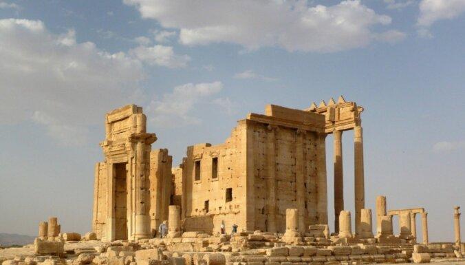 Боевики ИГИЛ разрушили фасад Римского театра в Пальмире