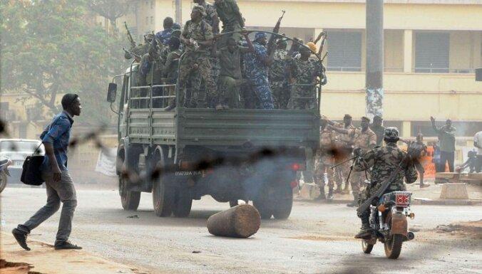 Tuaregu nemiernieki Mali ziemeļos paziņo par militāro operāciju izbeigšanu