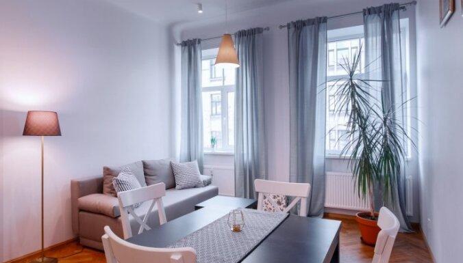 Foto: Pirms un pēc – dzīvokļa pārvērtības Rīgā izmaksā vien 500 eiro