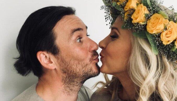 Apprecējies aktieru pāris Gints Grāvelis un Ērika Eglija