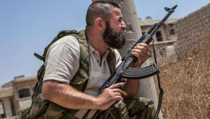 США приостановили помощь повстанцам в Сирии