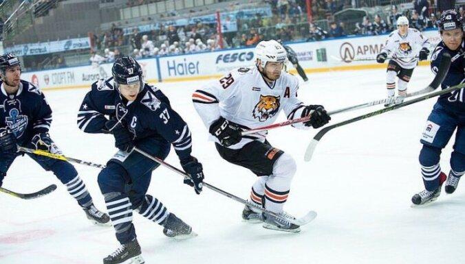 Oskar Bartulis, Admiral - Amur, KHL