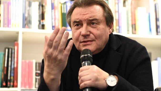 Сын Виктора Цоя подал в суд на режиссера Учителя за снятый в Латвии фильм об отце