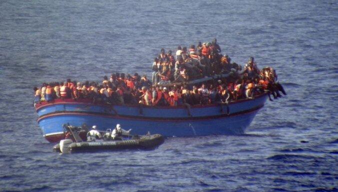 Евросоюз хочет уничтожать суда перевозчиков мигрантов