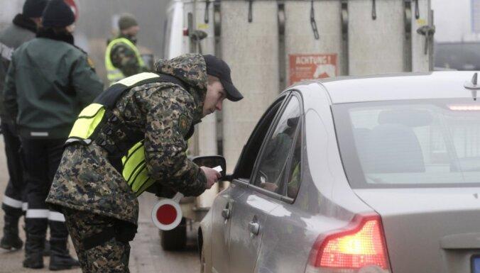 В очередях из Беларуси в Литву по-прежнему стоят сотни грузовиков