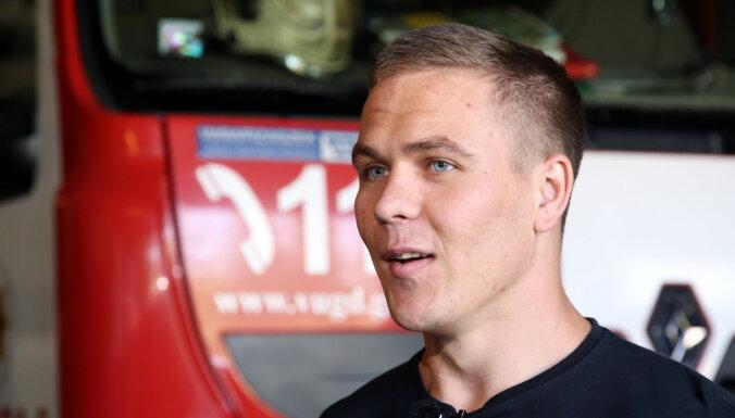 Пожарный, поймавший на лету самоубийцу, попал в сборную Латвии по бобслею