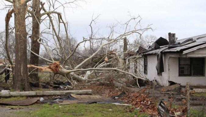 На южные штаты США обрушились ураганы и торнадо: свыше 20 погибших