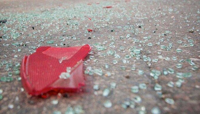 Mikroautobusa avārijā Olainē cietuši astoņi cilvēki