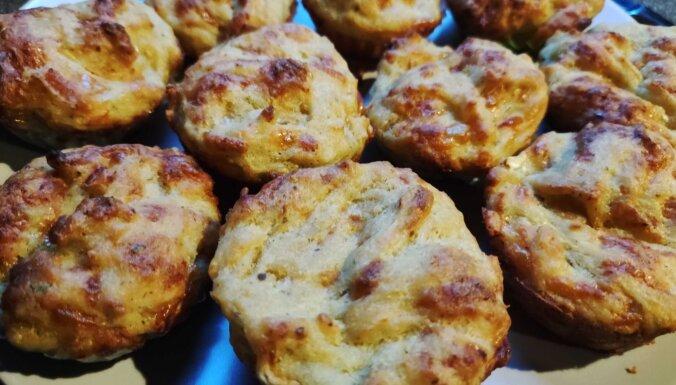 Pufīgie kabaču kēksiņi ar sieru