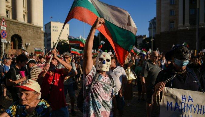 Протестующие в Болгарии вступили в стычку с полицией