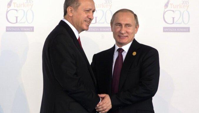 Su-24 notriekšana: Atcelts Turcijas un Krievijas samits